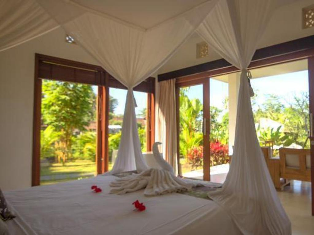Deluxe Double Room - Bed Villa Shantiasa Bali