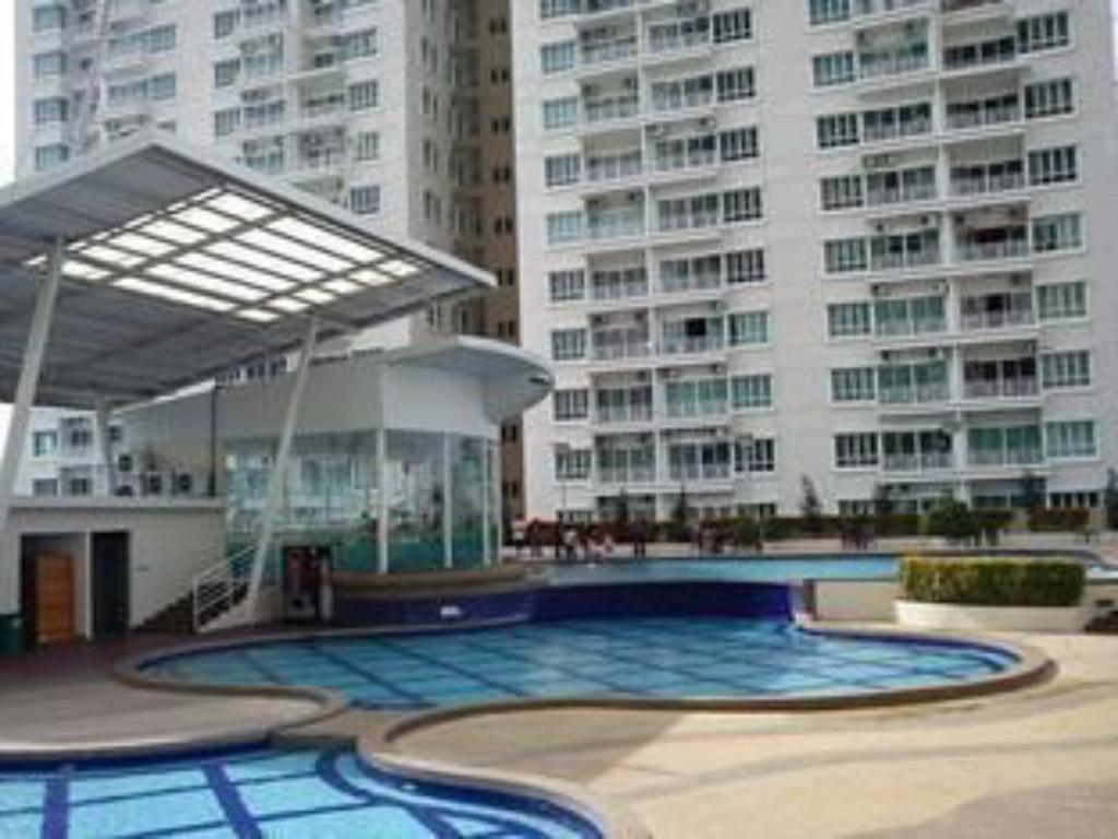 Schwimmbad 1Borneohomes at 1Borneo Condominium Tower A