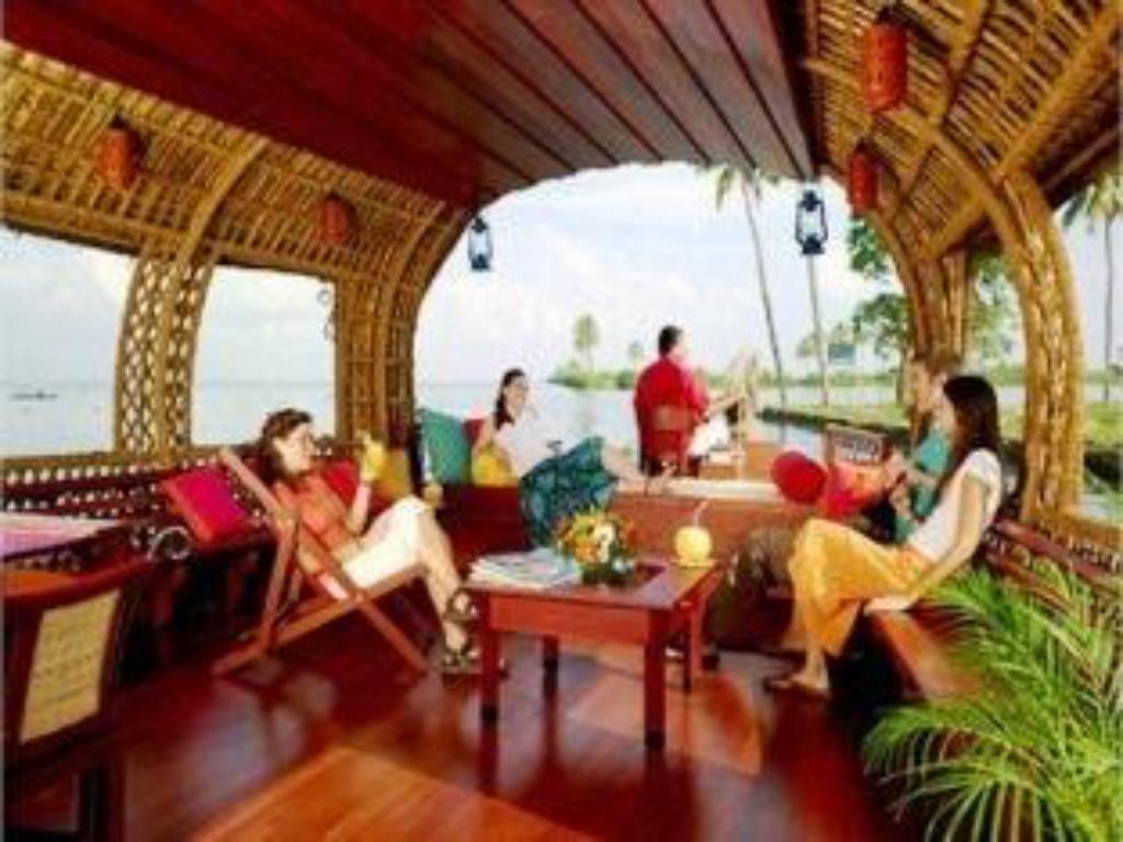 Interior view Xandari Rivescapes Houseboats