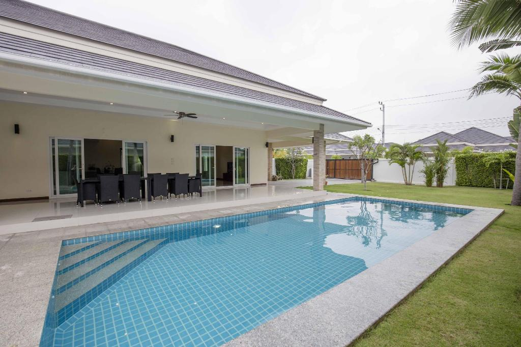 Palm Villas 3 Bed 3 Bath Private Swimming Pool For Rent Hua Hin Cha Am 20005614 Hua Hin Cha Am Thailand Photos Room Rates Promotions