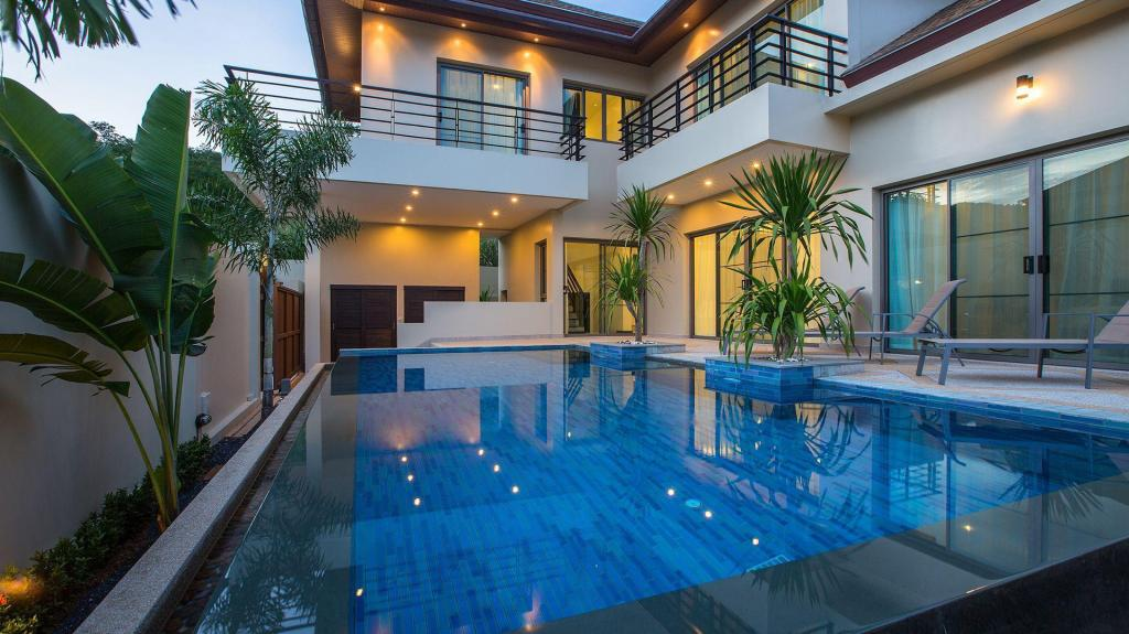 Mer om 3 Bedrooms + 3 Bathrooms Villa in Rawai - 33830198