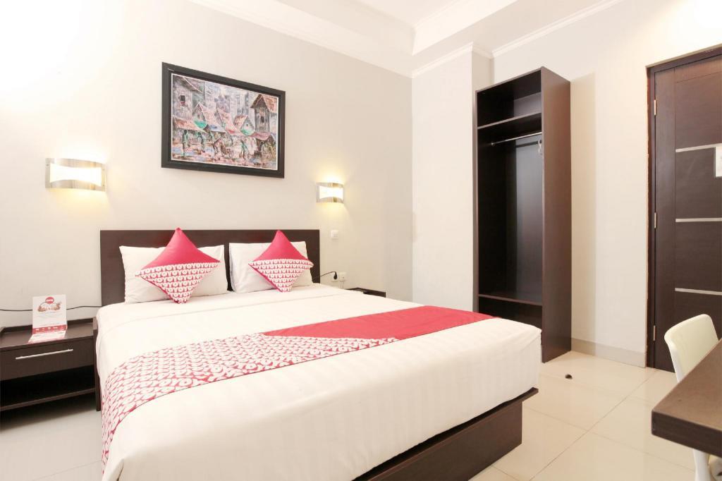 OYO 226 Lj Hotel Bandung From $9 - Room Deals, Photos & Reviews