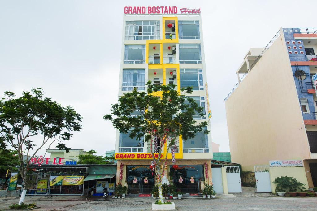 More about Grand Bostand Hotel