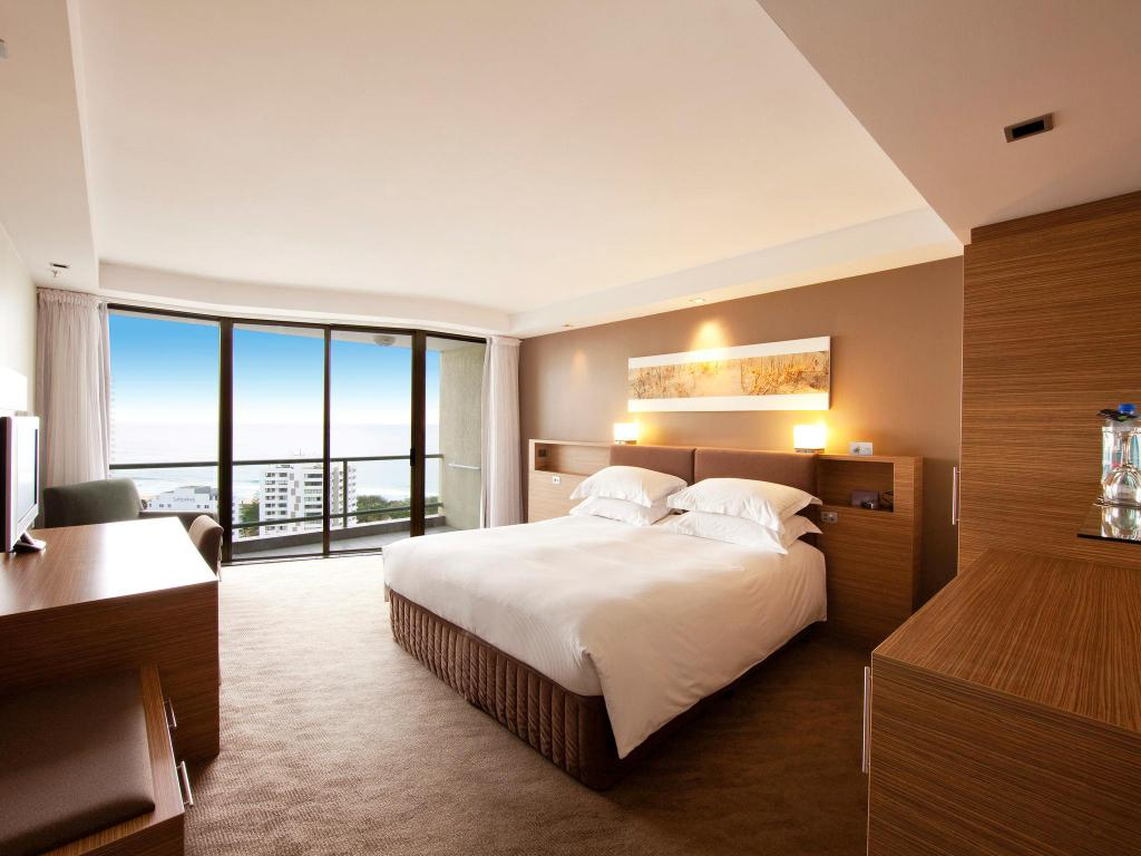 Superior Ocean View Queen Room Sofitel Gold Coast Hotel