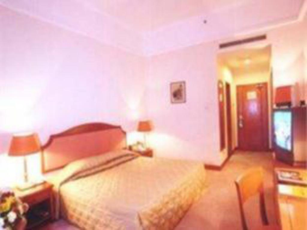 Double - Guestroom Telecom International Hotel