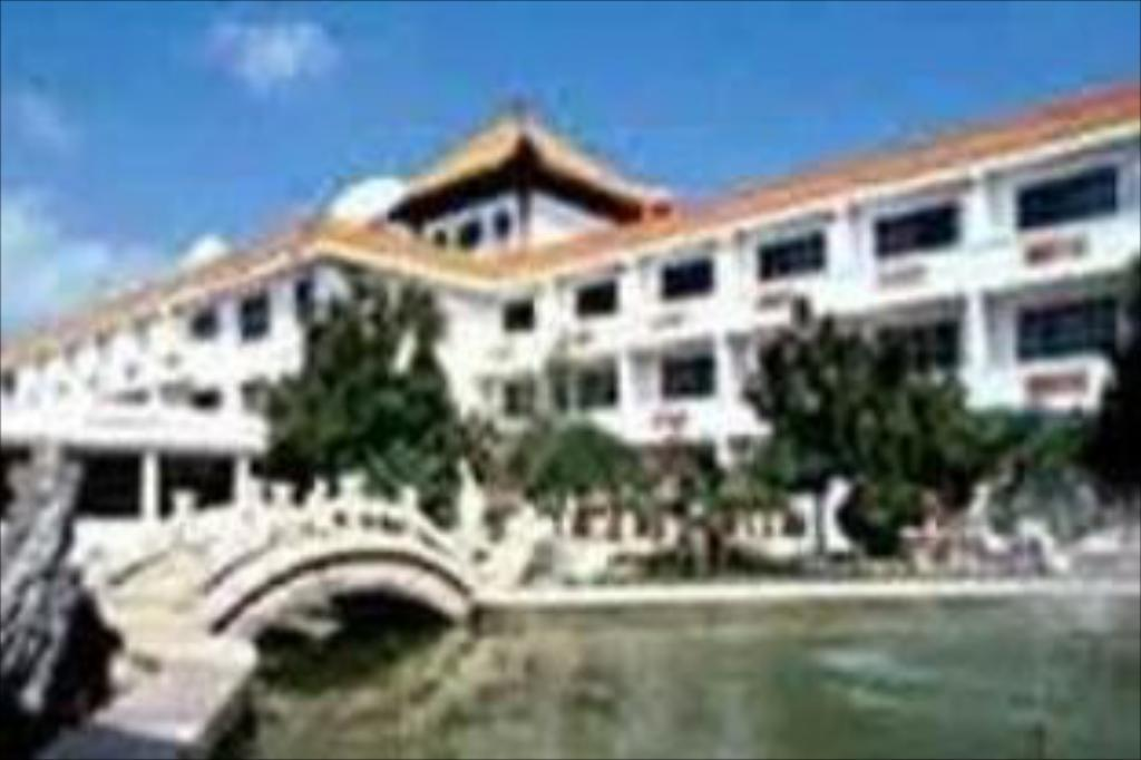 Liangshan Golden Beach Hotel