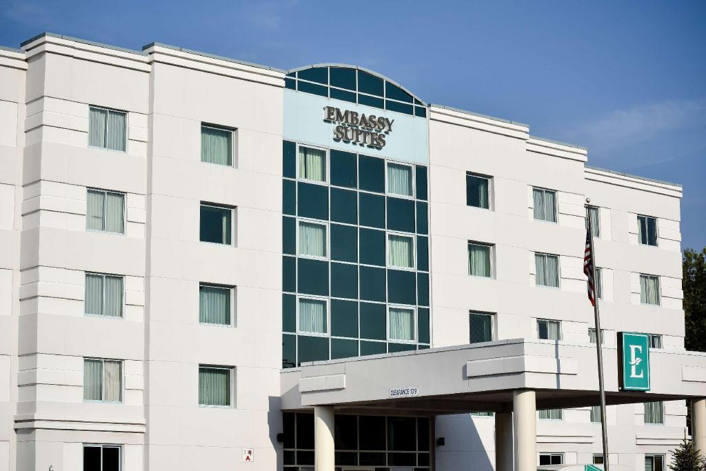 أجنحة إمباسي، سيراكيوز (Embassy Suites Syracuse)