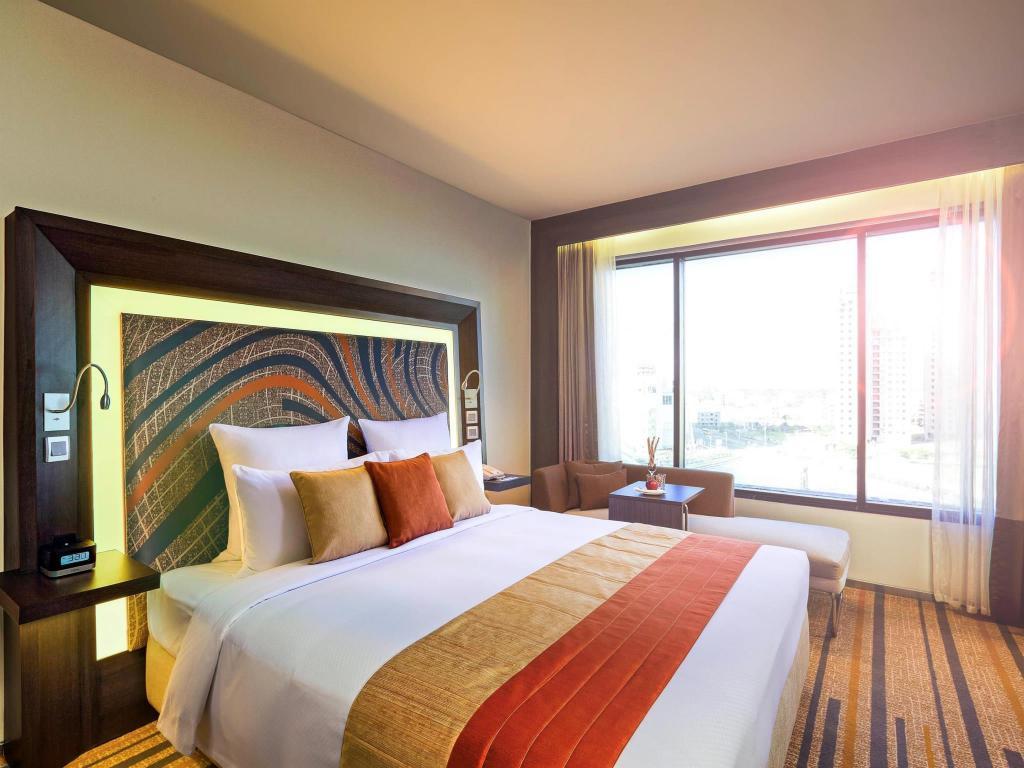 Novotel Kolkata Hotel & Residences - An AccorHotels Brand