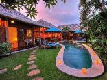 Balinese Feel - Walk to Shops Value 3BR Pool Villa