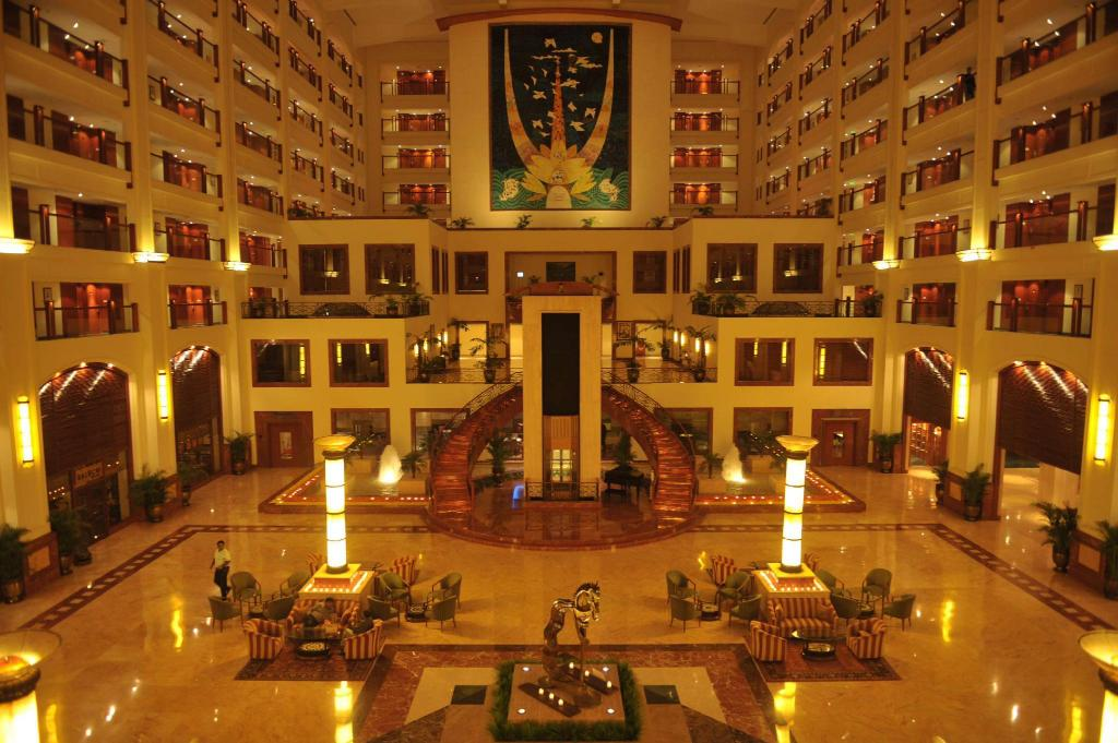 Foyer The Lalit Mumbai
