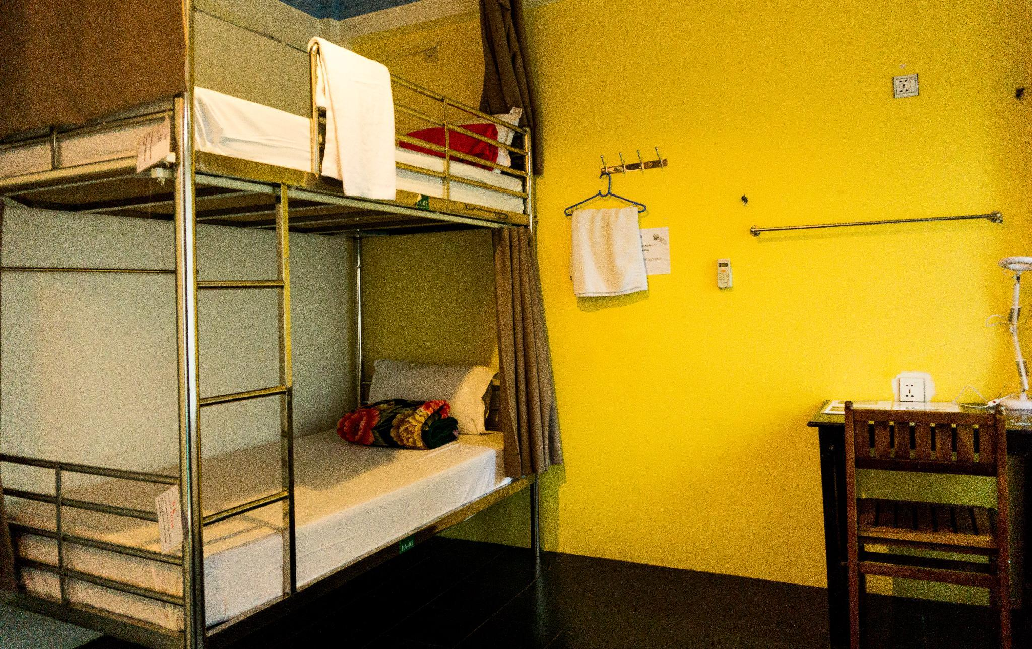 Standard Twin Bunk Bed with Shared Bathroom