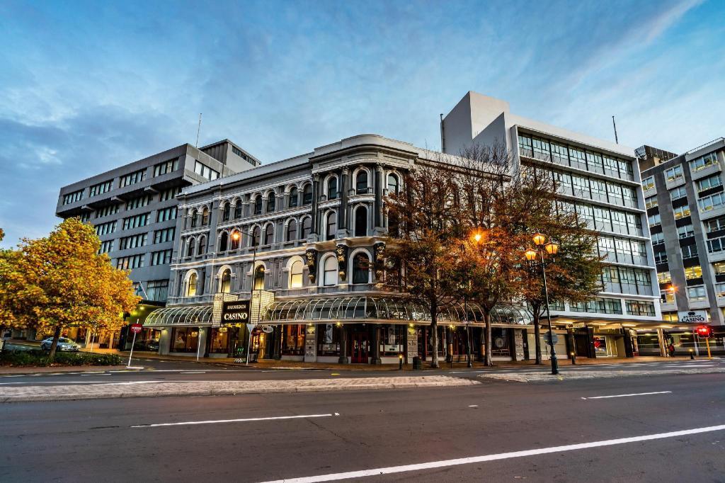 Scenic Hotel Southern Cross in Dunedin - Room Deals, Photos