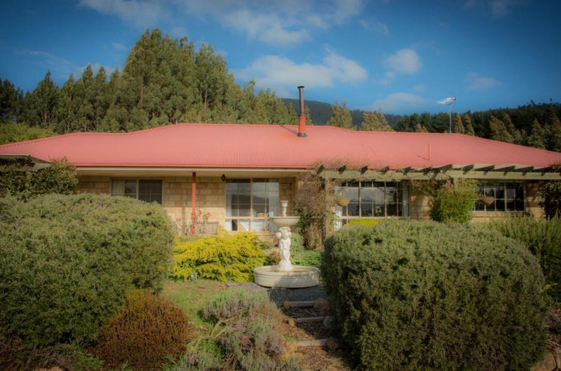 Comfort Cabin, 2 Bedrooms, Mountain View, Mountainside