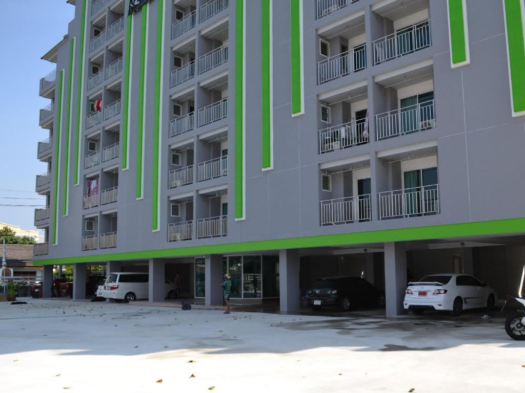 More about Eiam Mongkol Service Apartment