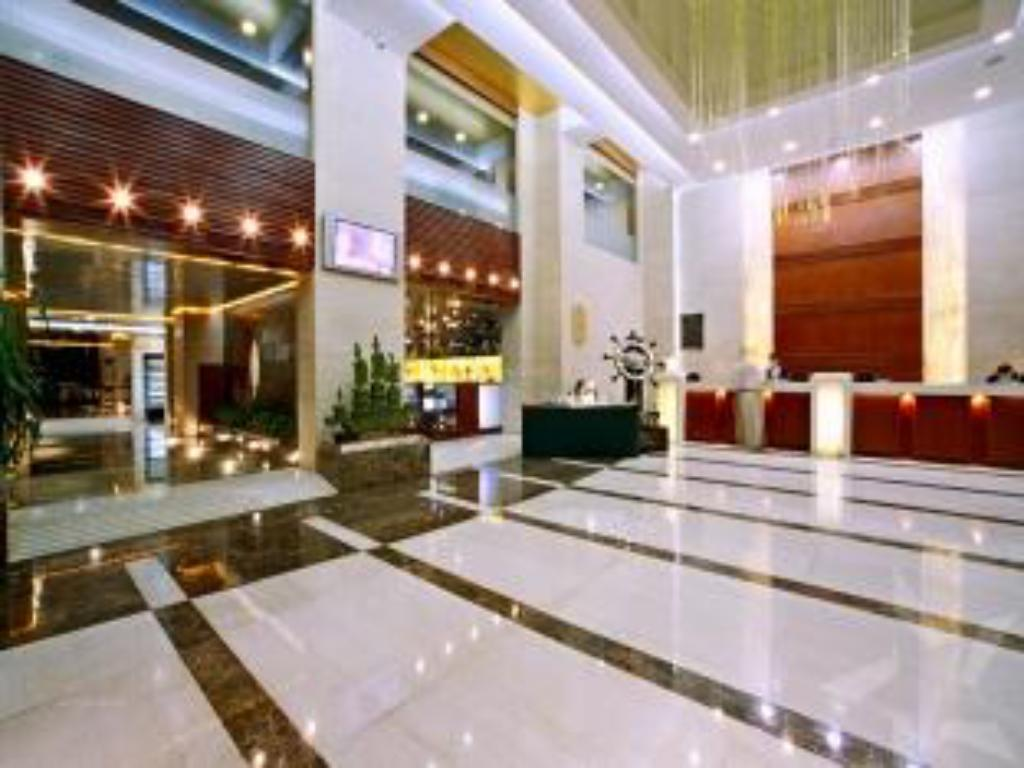 Lobby Weihai Qiming Holiday Hotel