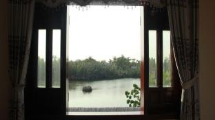 Lakeside Homestay