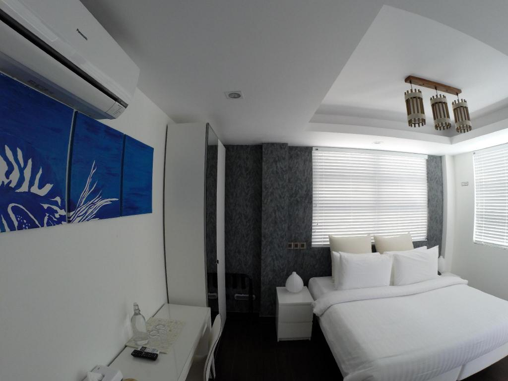 Sky view deluxe - Guestroom Airport Beach Hotel