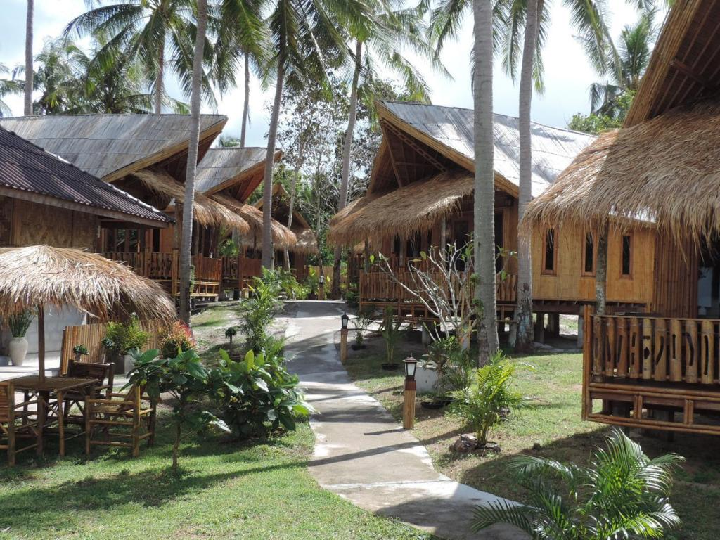 More about Lazy Days Bungalows