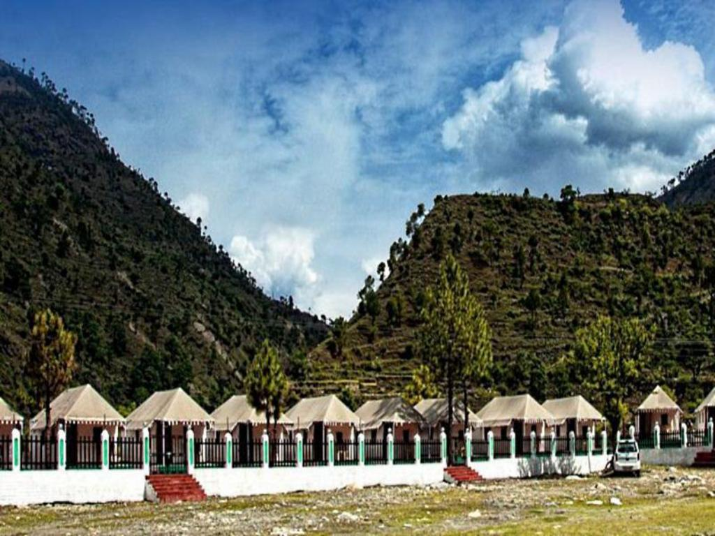 Yamunotri River Bank Resort