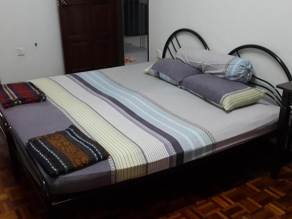 4 Bedroom Home Ipoh Stadium Homestay