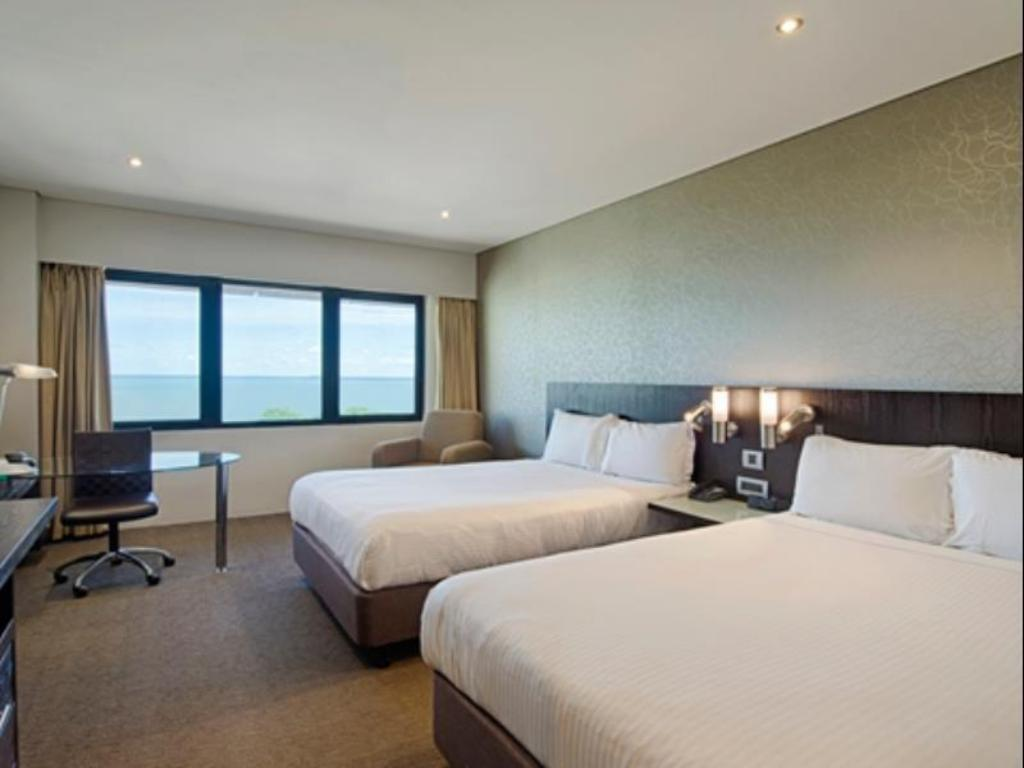 Two Double Executive Room View - Guestroom Hilton Darwin