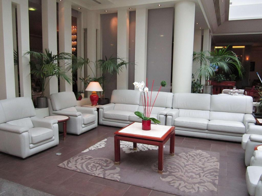 Lobby Evergreen Laurel Hotel