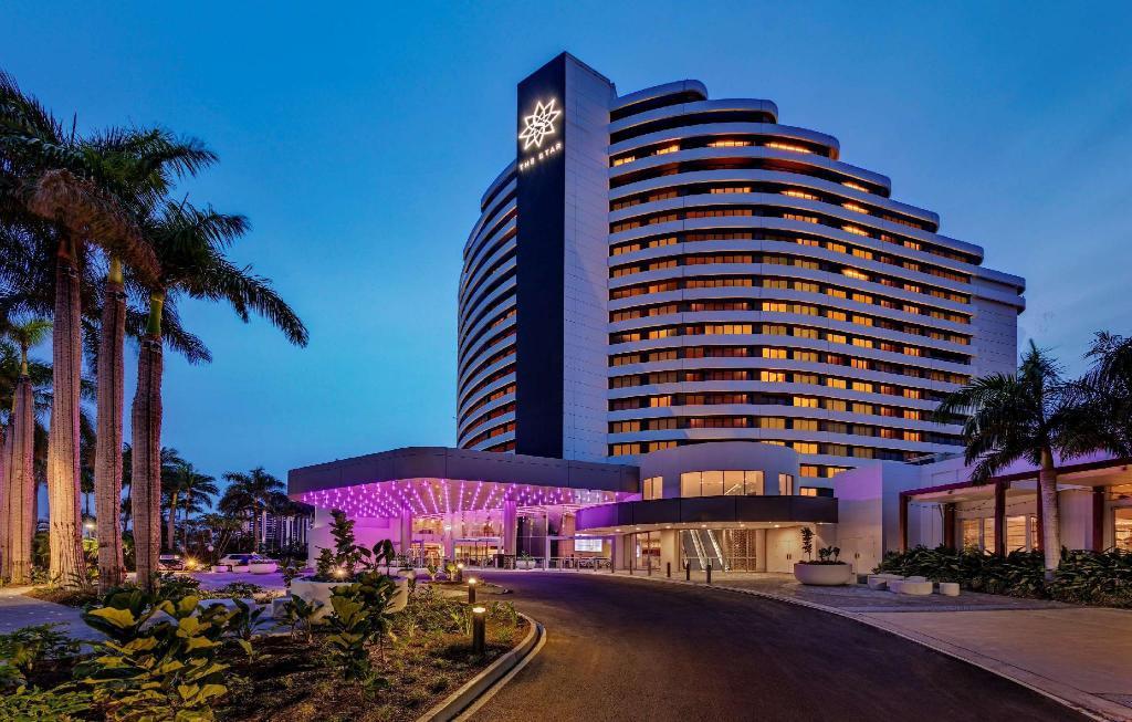 Jupiters casino gold coast shows 2014 chumash casino info desk