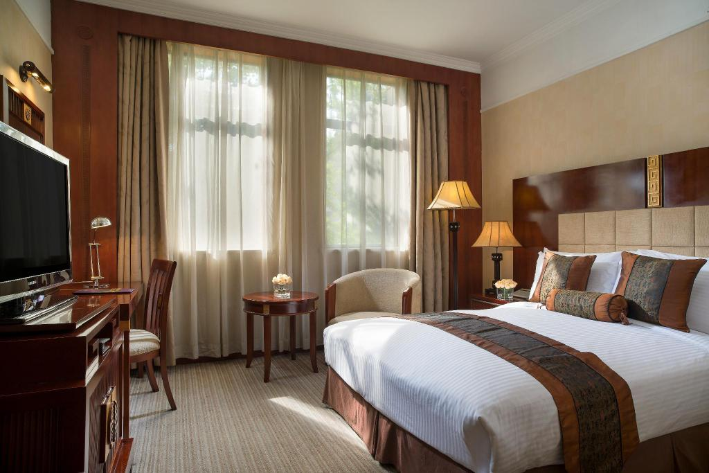 Standard Queen Room - Bed Grand Mercure Xian on Renmin Square