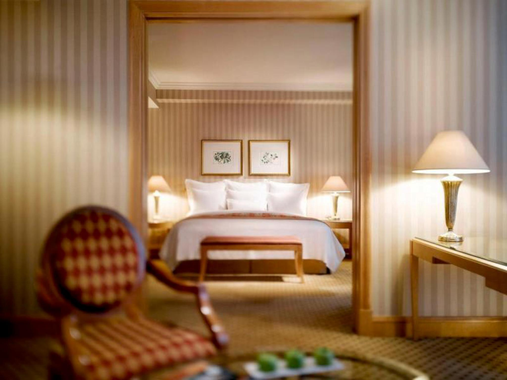 JW Marriott Suite, 148Sqm, Executive lounge access, 1 King