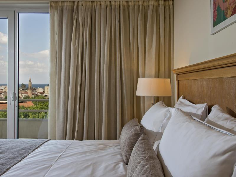 Suită Junior cu vedere la orașul vechi (Junior Suite with Old Town View)