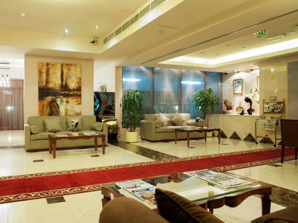 Foyer Arabian Gulf Hotel Apartments