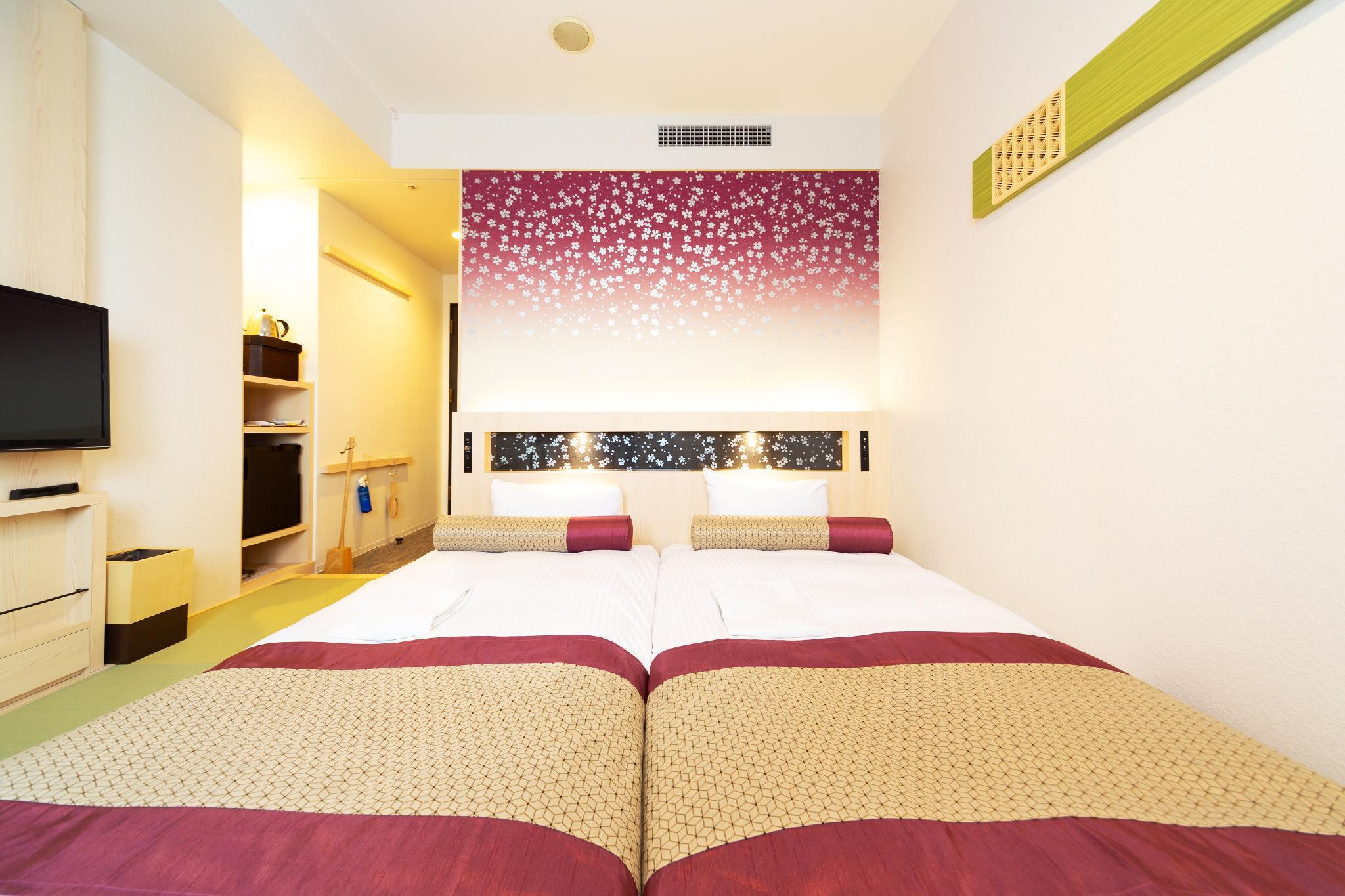 Kamar Twin Casual Sakura – Baru Direnovasi (Sakura Casual Twin - Newly Renovated)