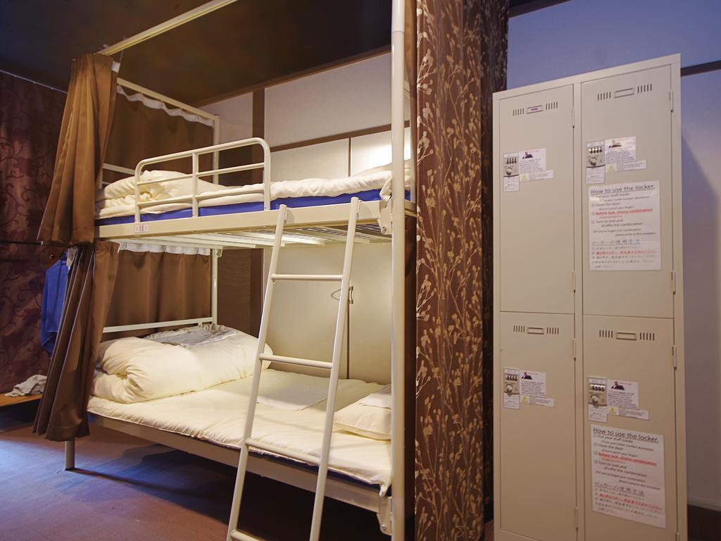 【1張床位】16人宿舍 - 需共用衛浴/限女性 (1 Person in 16-Bed Dormitory with Shared Bathroom - Female Only)