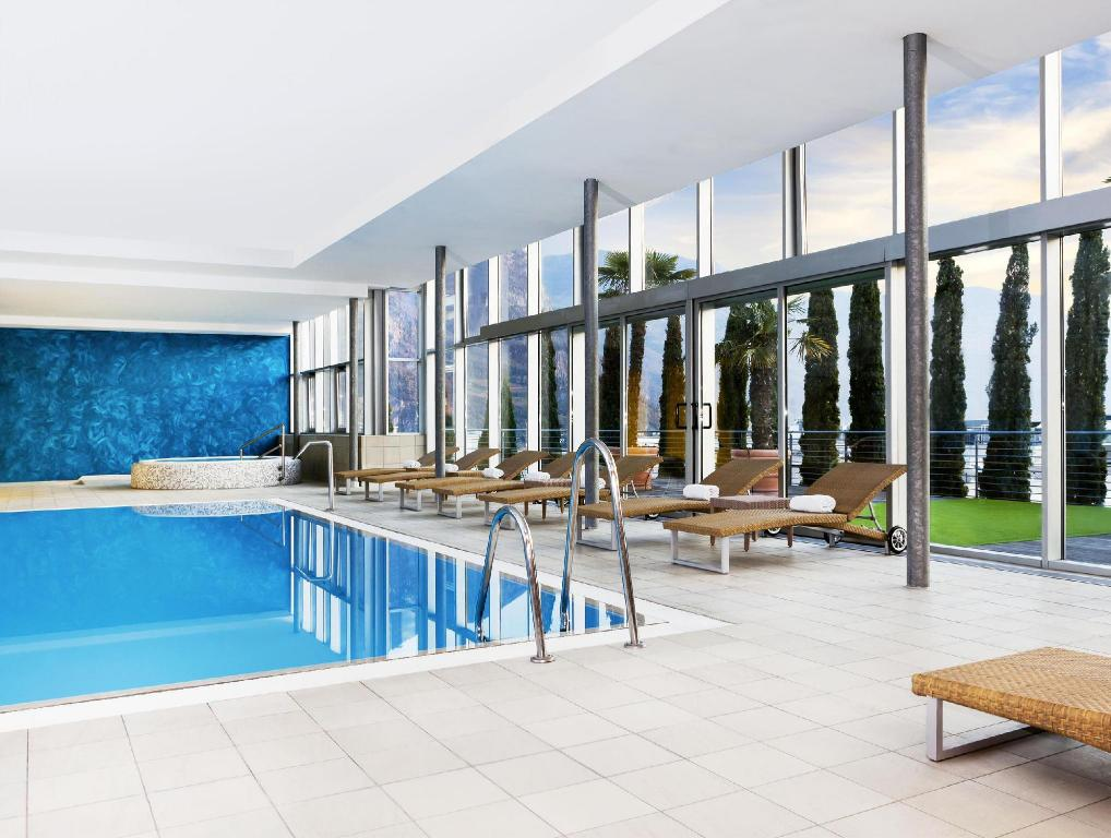 Swimming pool Four Points by Sheraton Bolzano