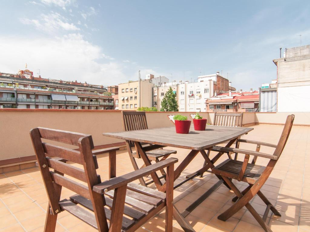 One Bedroom Apartment with Terrace - Outside seating area Bbarcelona Apartments Sagrada Familia