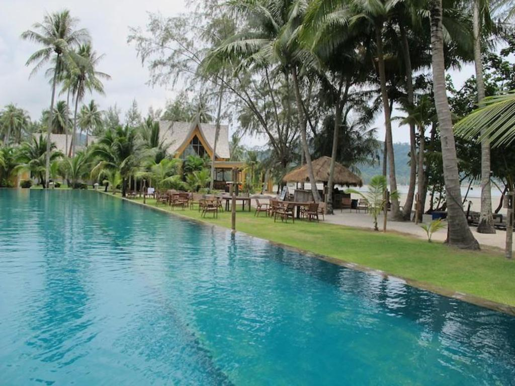 Swimmingpool Sunrise Beach Villa
