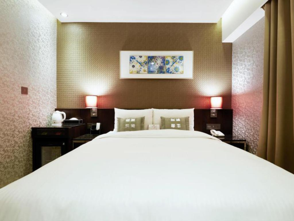Double Standard - Bed Beauty Hotels Taipei - Hotel Bfun