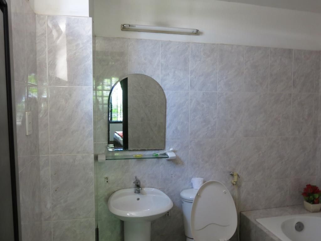 Standard Double or Twin - Bathroom Minh Quang Guest House