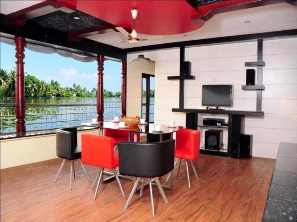 Vista interior Vaishnav Houseboat