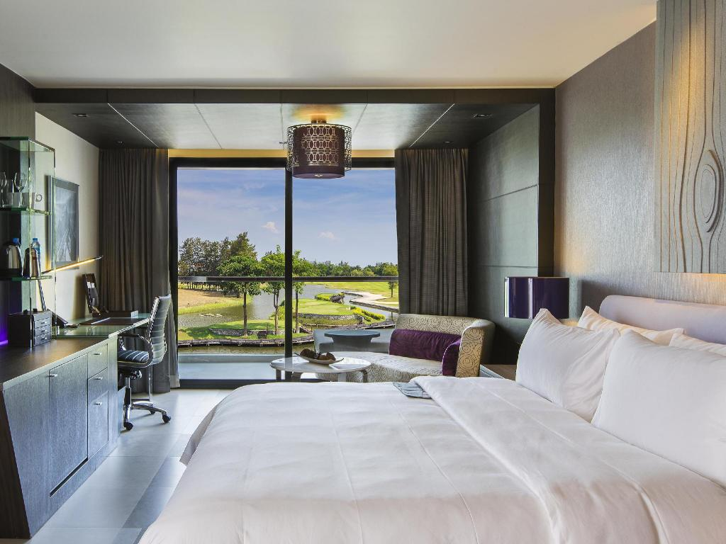 Grande Deluxe Le Meridien Suvarnabhumi Bangkok Golf Resort and Spa