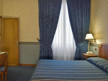 Standard Double Room (Single Use)