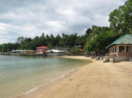 Beach Agta Beach Resort