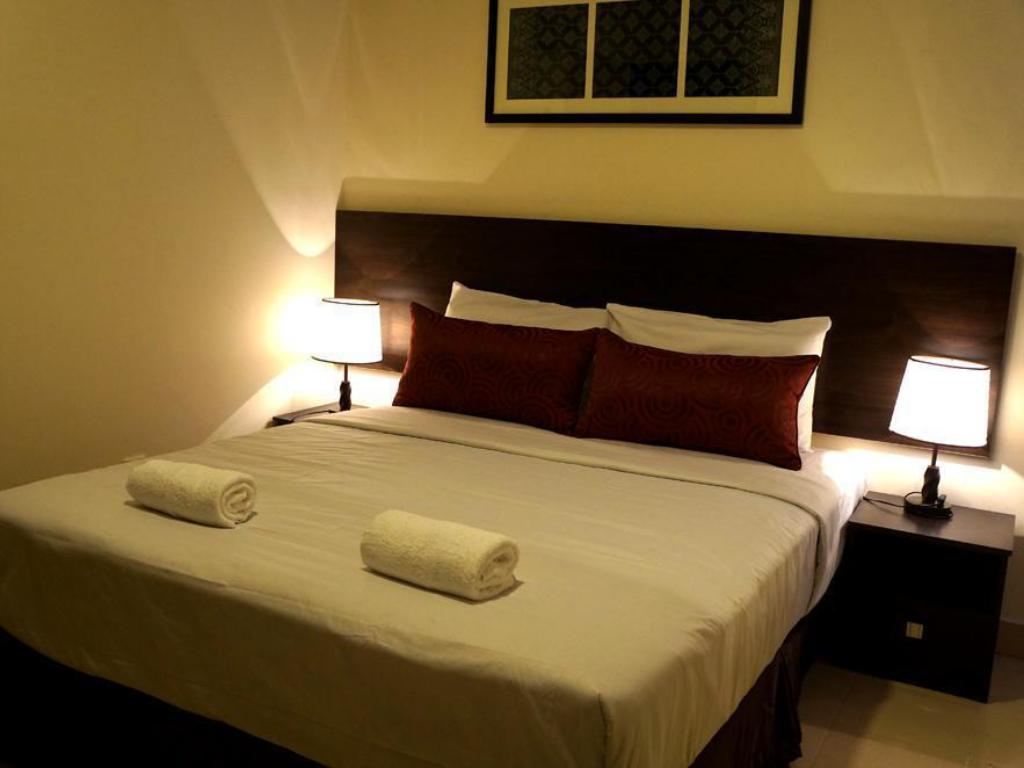 Queen Deluxe - Bed Hotel Seri Raha
