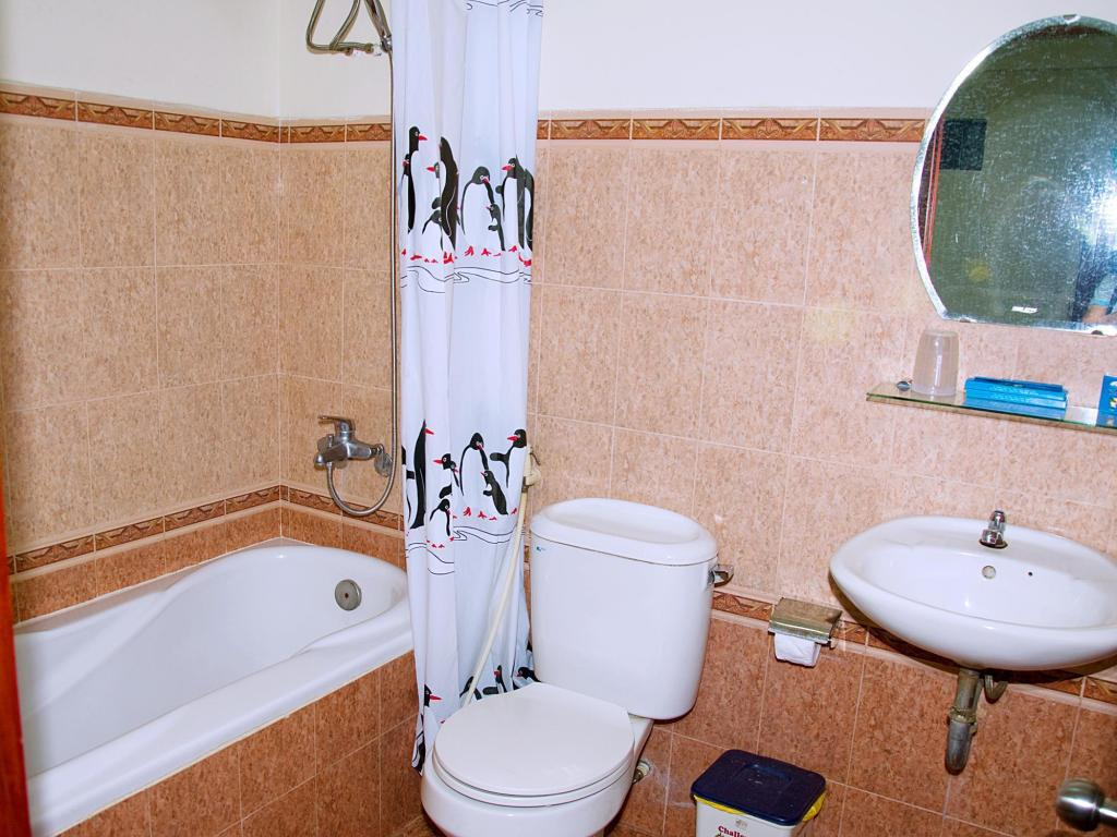Bathroom Thai Duong Hotel