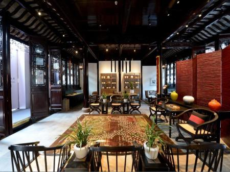 Interior view Blossom Hill Inn Suzhou Tanhuafu