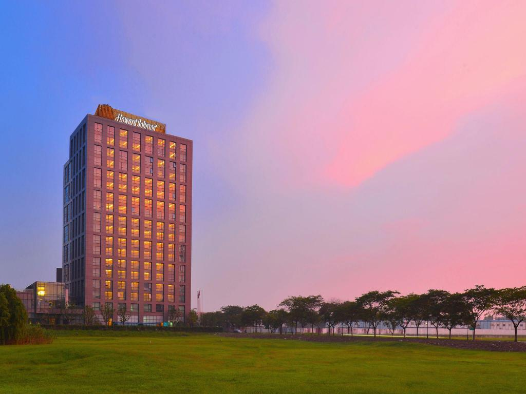 More about Howard Johnson Jinghope Serviced Residence Suzhou