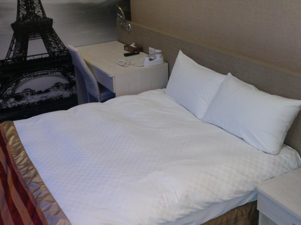 One Double Bed Room - 床舖 順億商務旅館 (Shun-yi Business Hotel)