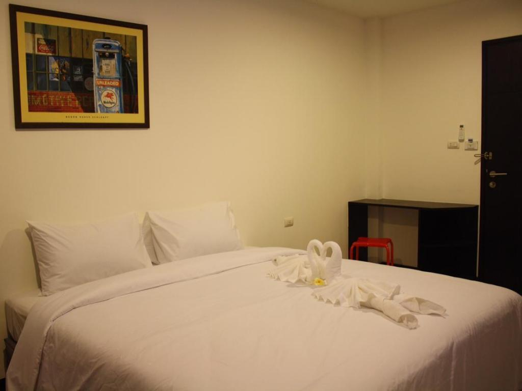 Deluxe Room - Bed S1 @ Phuket Apartment Service