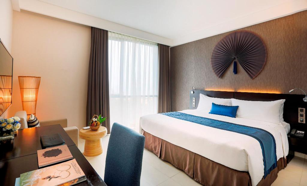 Melia Guestroom - Bed Melia Danang Beach Resort