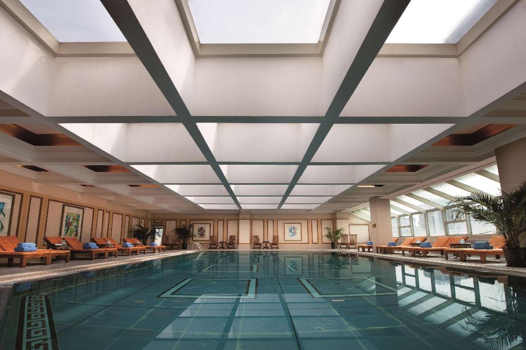 Swimming pool Sunworld Dynasty Hotel Beijing Wangfujing